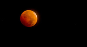 The Next Lunar Eclipse Will Be Visible From Kansas And You Won't Want To Miss Out