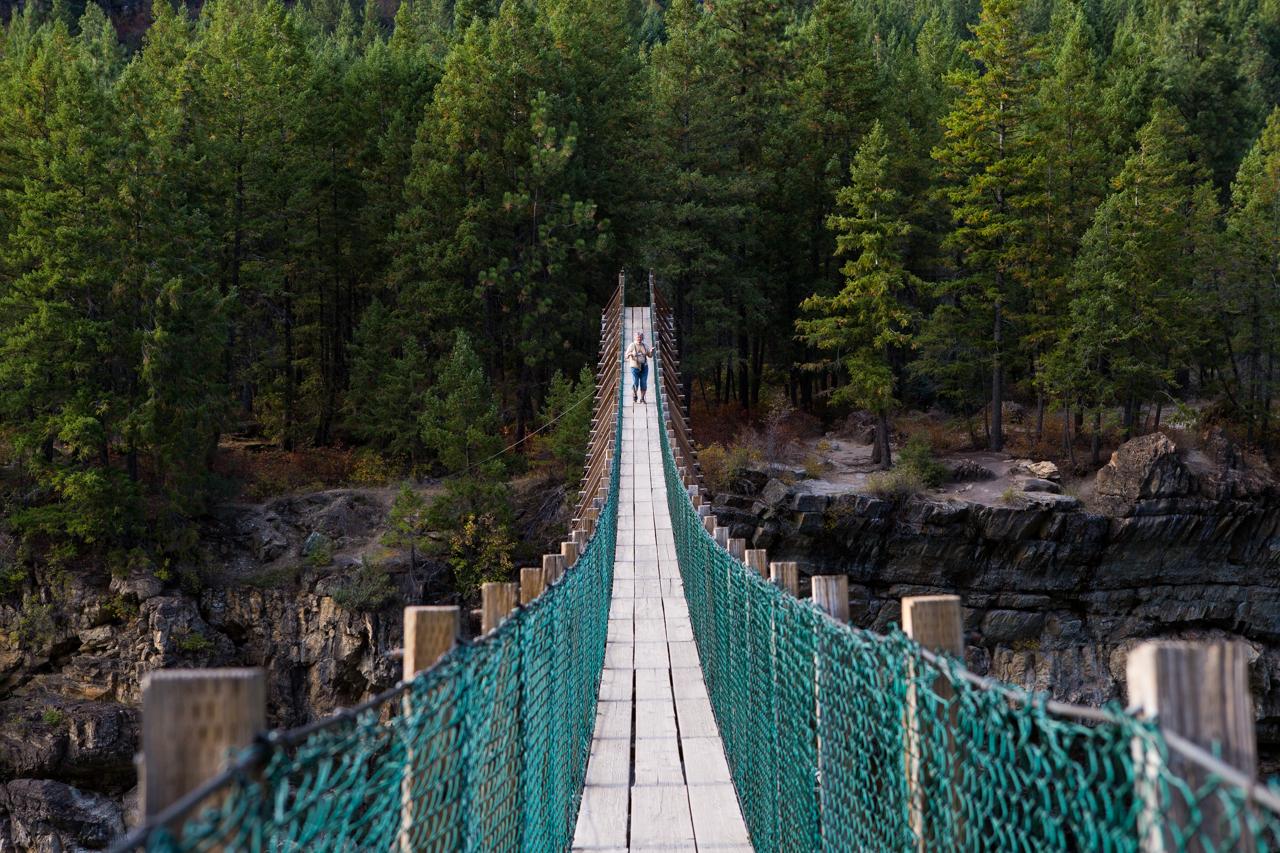 booty-sucks-swinging-bridge-in-montana-pitino-wife-pics