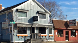 The Humble Riverside Pub In Michigan That Will Welcome You Like Family