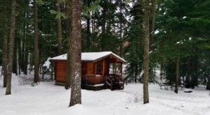 These Cozy Log Cabins In Oregon Are Calling Your Name