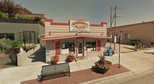 Skipping Dessert At This Famous Wyoming Cafe Should Be A Criminal Offense
