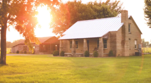 Enjoy A Relaxing Weekend At The Most Beautiful Farmhouse In Tennessee