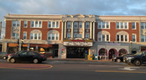 This Retro Movie Theater In Massachusetts Hasn't Changed Since You Were A Kid