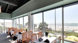 The Unassuming Restaurant In South Carolina Where Every Table Has A View Of The Ocean
