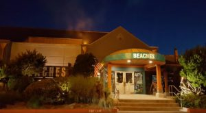 The Beach-Themed Restaurant In Washington Where It Feels Like Summer All Year Long