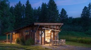 This Award-Winning Cabin In Montana Is The Getaway You Didn't Know You Needed