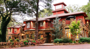 This Grand 1890 Mansion Inn In Oklahoma Will Make You Feel Like Royalty
