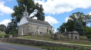 The Oldest Church In New York Dates Back To The 1600s And You Need To See It