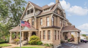 This Grand 1889 Mansion Inn In Tennessee Will Make You Feel Like Royalty