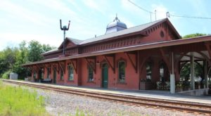 There's Only One Remaining Train Station Like This In All Of Vermont And It's Magnificent