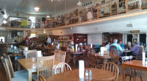 The Country Diner In Mississippi Where You'll Find All Sorts Of Authentic Eats