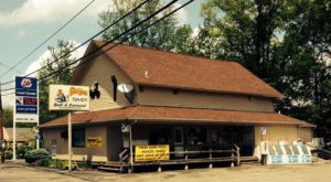 This Country Store Near Cincinnati Has Pizza And Hoagies That Are So Worth The Drive