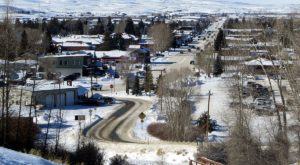 This Tiny Wyoming Town Is The Grandest Winter Wonderland You'll Ever Visit
