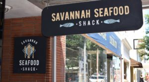 The Informal Seafood Shack In Georgia Serves Up A Low Country Boil Like No Other