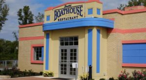 There's No Other Restaurant In Ohio Quite Like This Boathouse Restaurant
