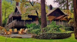 This Oregon Log Cabin Inn Tucked Away In The Mountains Is Just What You Need