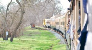 This Gold Rush Train In Northern California Takes You On An Adventure To Mine Your Own Gems