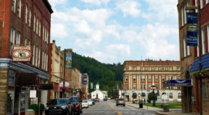 The Charming West Virginia Town With A Main Street Diner You Can't Pass Up