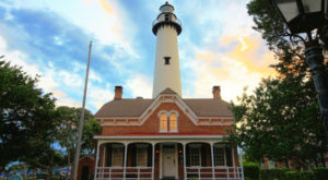Take This Mini Road Trip To Climb Two Of Georgia's Most Beautiful Lighthouses