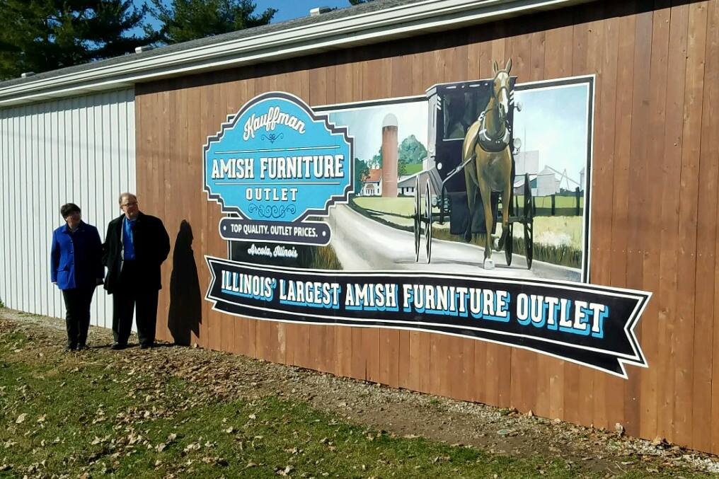 Kauffman Amish Furniture Outlet In Illinois Is The Largest Furniture