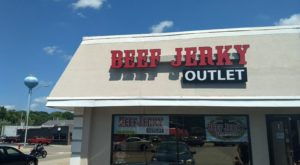 The Beef Jerky Outlet In Illinois Where You'll Find More Than 100 Tasty Varieties