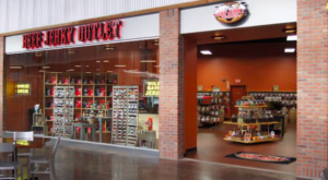The Beef Jerky Outlet In Florida Where You'll Find More Than 200 Tasty Varieties