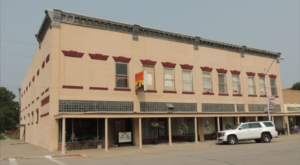 This Historic Restaurant And Hotel In Nebraska Will Take You Back To The Old West