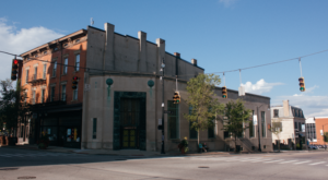 This Historic Bank In Cincinnati Just Opened As A New Restaurant And You'll Want To Try It
