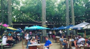 This Maryland Restaurant Way Out In The Boonies Is A Deliciously Fun Hang Out Spot