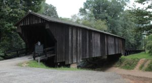 8 Undeniable Reasons To Visit The Oldest And Longest Covered Bridge In Georgia