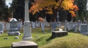 There's A Grave In This Vermont Cemetery With A Window To See Inside And It's Beyond Eerie