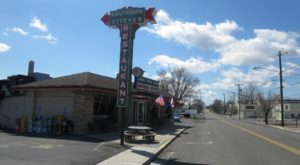 This Roadside Diner In Virginia Will Take Your Love Of Fried Chicken To A Whole New Level