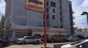 The Very First Drive-Thru Restaurant In Ohio Still Has Cars Lining Up Around The Corner