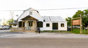 This Ramshackle Building Hiding In Louisiana Serves The Best Seafood Around