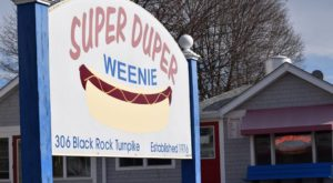 This Connecticut Restaurant Claims To Have The World's Best Hot Dogs And Who Are We To Argue