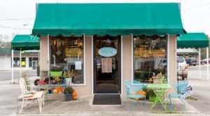 The Charming Café In Small Town Mississippi Where You Can Fill Up On Great Eats And Sweet Treats