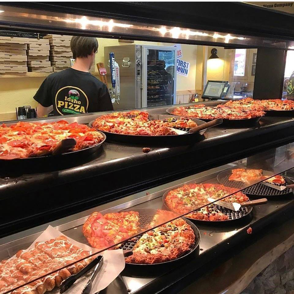 Terrific This Pizza Buffet In Idaho Is An Awesome Place To Dine Home Interior And Landscaping Fragforummapetitesourisinfo