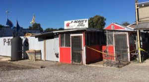 This Ramshackle Cajun Shack Hiding In Mississippi Serves The Best Seafood Around