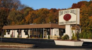 9 Family Restaurants In Rhode Island That Are Unexpectedly Scrumptious