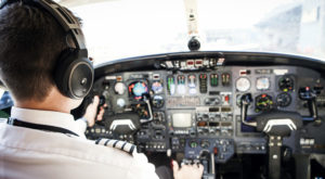 This Is How Much Practice Pilots Need To Fly A Passenger Plane