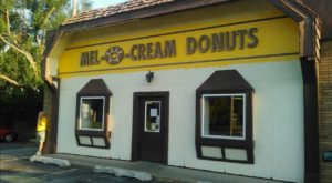 These Famous Donuts Have Been Made In Illinois For Nearly 90 Years