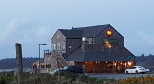 This Secluded Beachfront Restaurant In Oregon Is One Of The Most Magical Places You'll Ever Eat