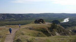 The Magnificent Overlook In North Dakota That's Worthy Of A Little Adventure