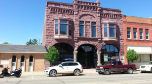 This Little Main Street Restaurant In Minnesota Is Just Begging For A Visit