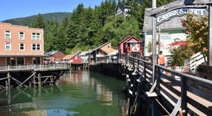 Here's Why This Tiny Seaside Town In Alaska Is The Perfect Spring Getaway
