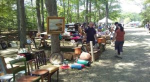 The Charming Out Of The Way Flea Market In Connecticut You Won't Soon Forget
