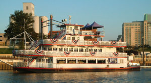 Spend A Perfect Day On This Old Fashioned Paddle Boat Cruise In Alabama