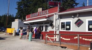 This Ramshackle Shrimp Shack Hiding In Washington Serves The Best Seafood Around