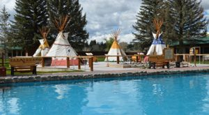 The Hot Springs Hotel In Wyoming That Will Leave You Feeling Completely Relaxed