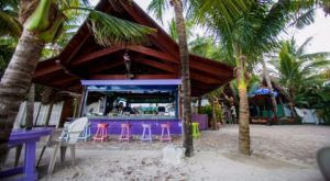 The Best Beach Bar In America Where You'll Always Feel Like You're On Summer Vacation